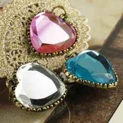 Anhänger Herzen klar, rosa u.blau Vintage Metal Trinkets 930042